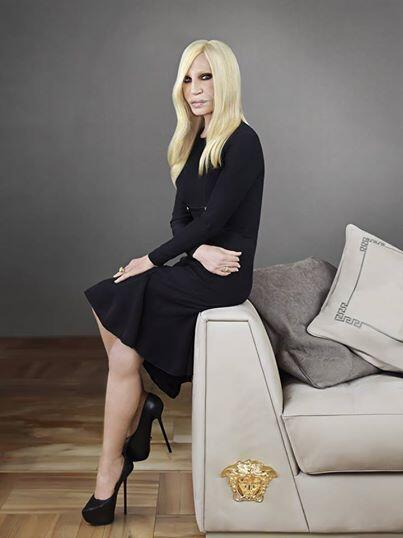 #DonatellaVersace with the new Via Gesù Sofà the heart of the luxurious new #VersaceHome collection #VersaceRules http://t.co/bjVLYkQBtX