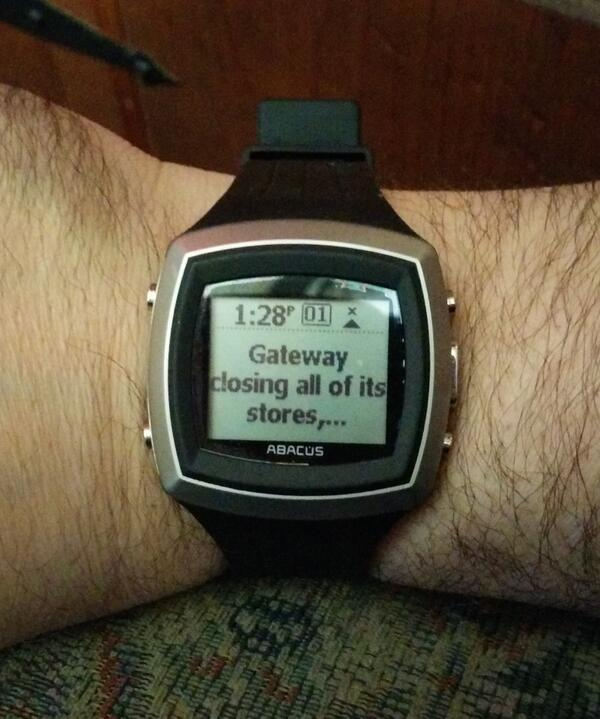 Charged up my MS SPOT watch. It lit up with the headlines it received the last time I wore it…10 years ago! http://t.co/DHKrc6ry1F