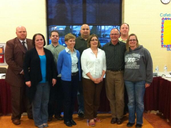 The #Pottsgrove School Board posed for their yearbook photo tonight. http://t.co/Ctz1mhyq3v