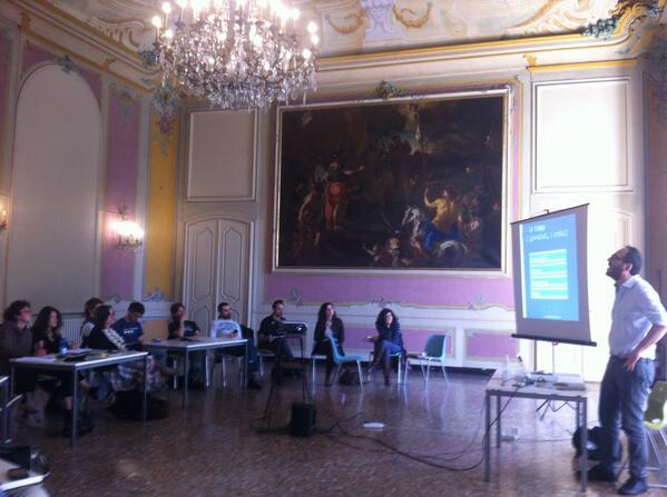 Nella fantastica location di villa Bombrini il workshop di #comunicateatro #akropolis2014  Genova http://t.co/DyuVkSN1uR