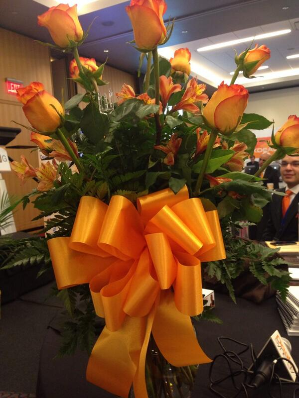 Wow I am blown away and so grateful 4  my friends at @AutoMax_ I just received these beautiful orange roses! #is20g http://t.co/PZdfKNO21v