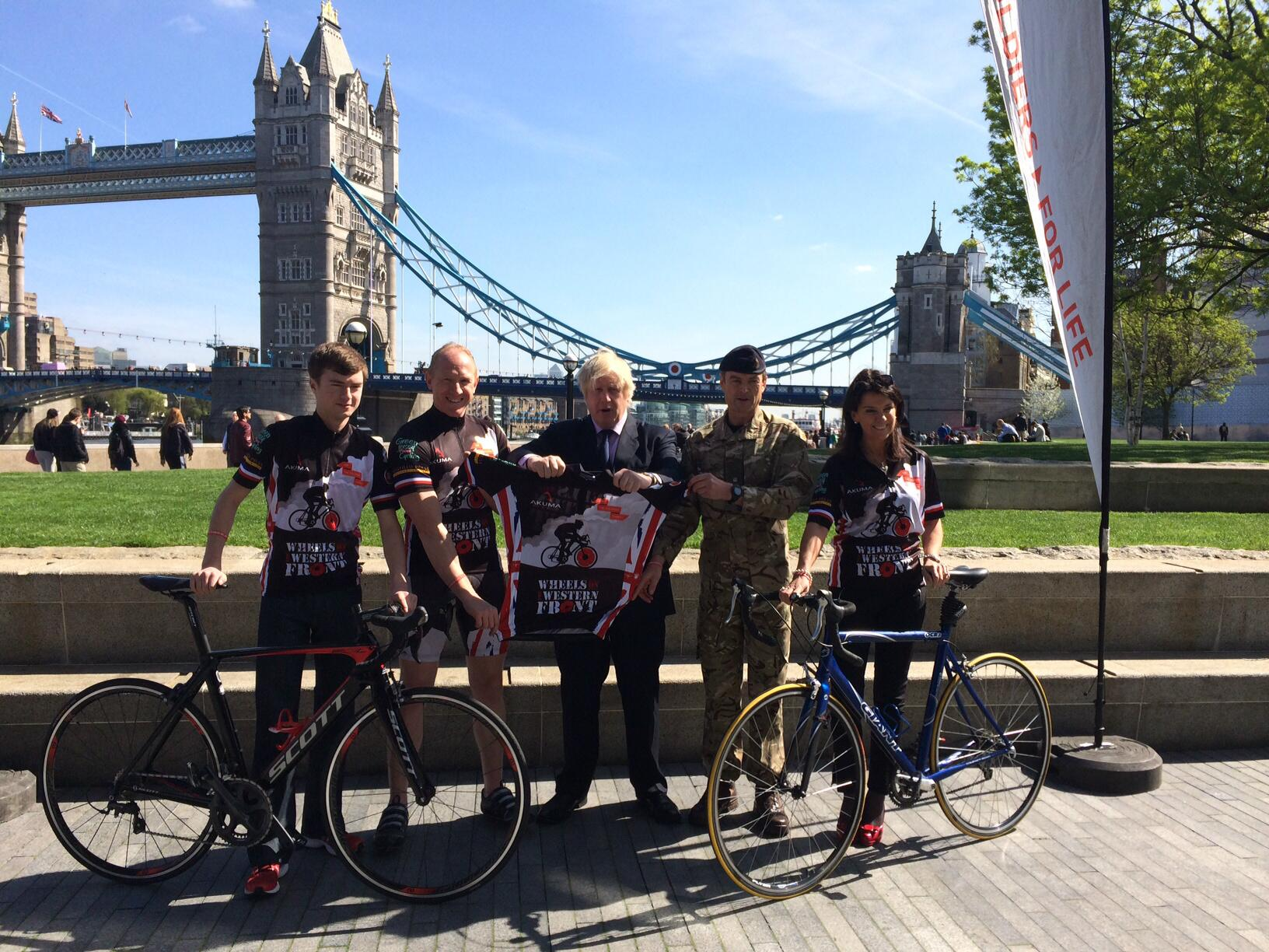 Great to meet serving soldiers and veterans who are cycling the Western Front in aid of ABF The Soldiers' Charity http://t.co/JaMghi3XmQ