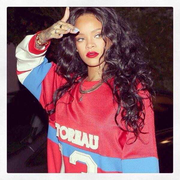 #retweet if you love this women as much as I do #myidol @rihanna http://t.co/bnFSewuqGK