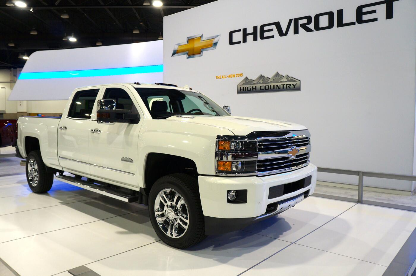 2015 silverado 2500hd high country review youtube. Black Bedroom Furniture Sets. Home Design Ideas