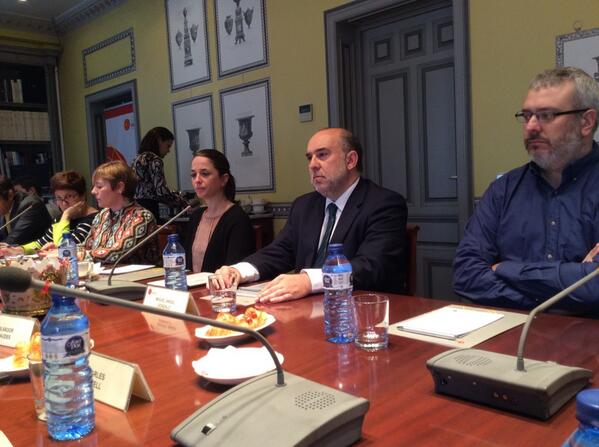 @rielcano acoge a Miguel Ángel Gonzalo, Webmaster del @Congreso_Es. Habla sobre #transparencia #ElcanoTalks http://t.co/35SrRebocz