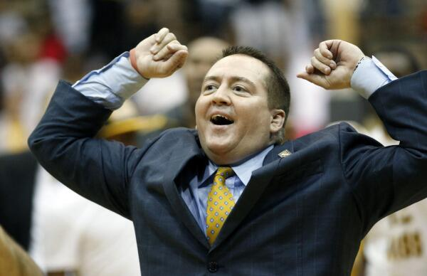PHOTOS: Check out a gallery of new #Vols coach Donnie Tyndall in action: http://t.co/Usi4ho9lyG http://t.co/1yv2n3Q7ZR