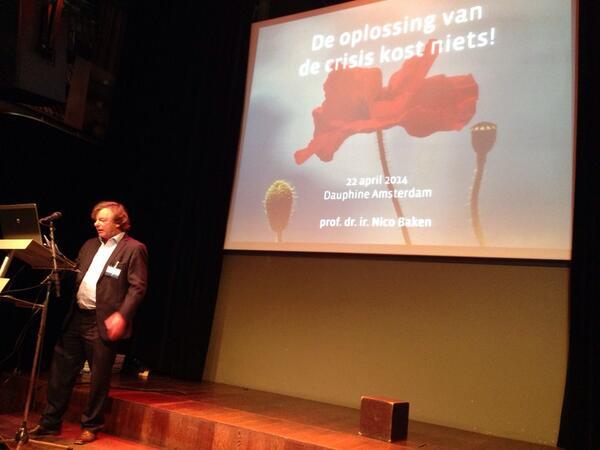 Als medeondertekenaar congres manifest Nico Baken: de oplossing van de crisis kost niets. Zie http://t.co/QLrzaS7eCQ http://t.co/V7mJQUe5SF