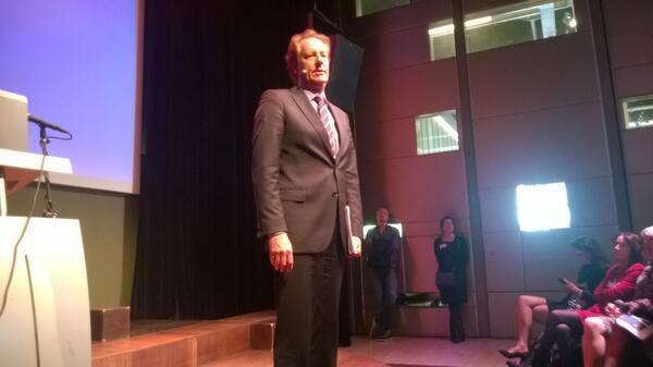 @ManifestNBaken Nu aan het woord: Rob van Gijzel (burgemeester Eindhoven) #openinnovatie #verbondensamenleving http://t.co/zVV2l07CnY