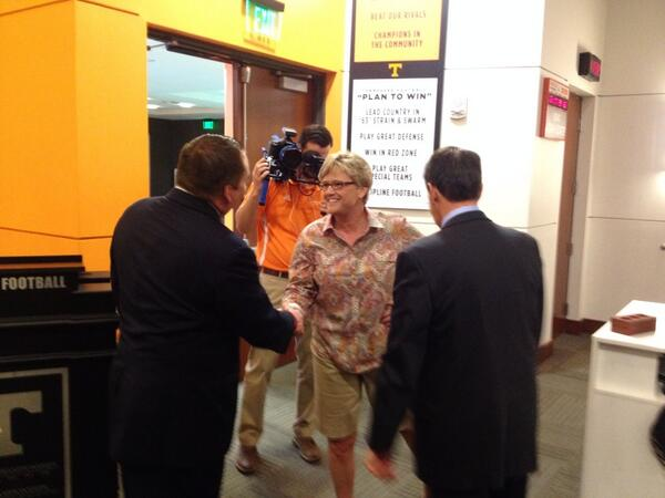 Here's @HollyWarlick greeting new coach @UTCoachTyndall http://t.co/UHeaAK0LXQ