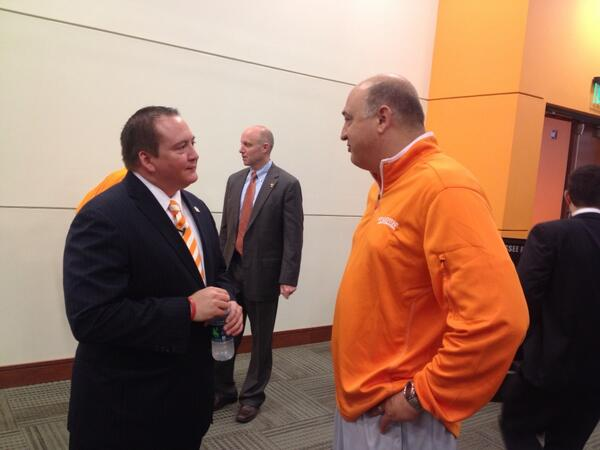 Here's @UTCoachTyndall chatting with @RobPatrickUT of @ladyvol_vball http://t.co/6og5Ifrc36