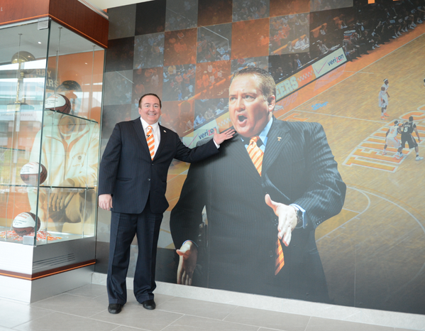 Our facilities crew does not play around… @UTCoachTyndall http://t.co/NcA2X9ZGb7