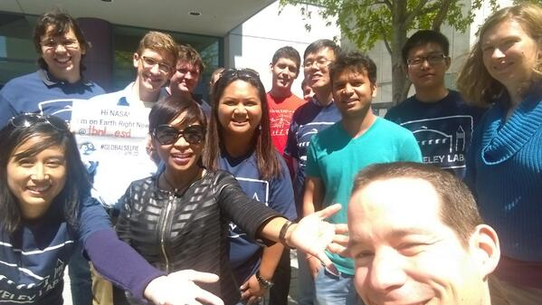 FUN! @BerkeleyLab! #GlobalSelfie to share with everyone on Earth Right Now! & @NASA http://t.co/7HblLtqrIF
