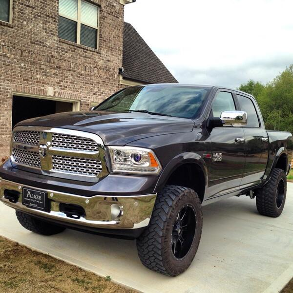 review 2014 ram 1500 eco diesel with video. Black Bedroom Furniture Sets. Home Design Ideas