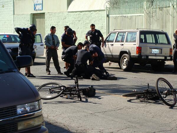 #myLAPD shooting unarmed hoseless people in skid row http://t.co/9FSvjijNkv