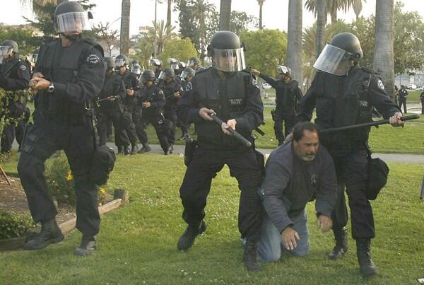 #myLAPD at MacArthur Park on #MayDay 2007. http://t.co/LKbflD10sI