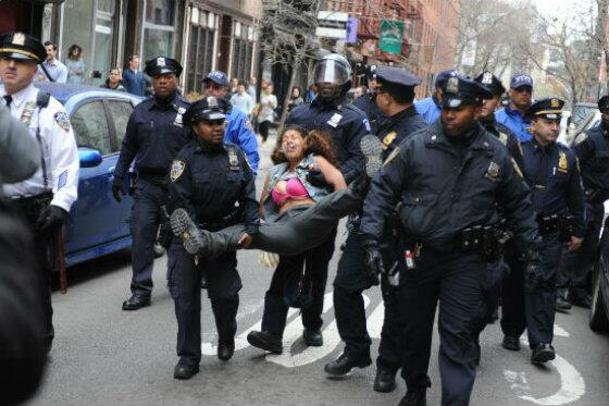 NYPD Encourages Everyone To Tweet Photos With the Cops, Things Go Predictably Awry http://t.co/UymZ0gTFLm #mynypd http://t.co/TW5WdF3yAe