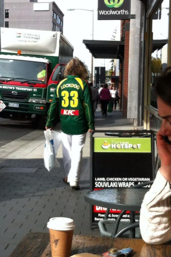 What about @Rlockyear33 strolling through town today! Ready for a big season. Keen as mustard! http://t.co/TjKBz7dgSa