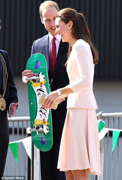 #PrinceGeorge gifted personalized skateboard in #Adelaide. (Splash) #RoyalVisitAus #RoyalsPlay #RoyalTour #Elizabeth http://t.co/ZlfYJKlPfD