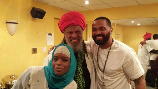 """@ShaykhRashied: Salaams happy days happy days http://t.co/q0VWiwBZoe"" @TheRealMikeEpps a gift from Allah to be CREATIVE & CRAZY! MUCH LUV"