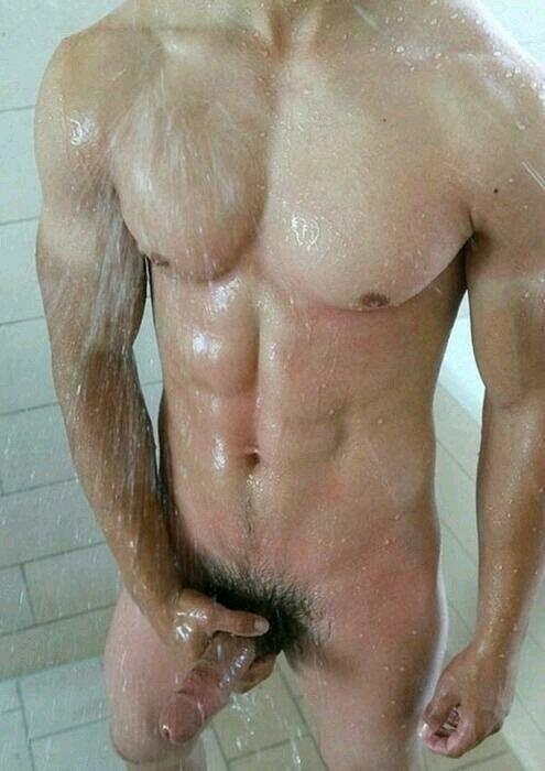 Голые парни онлайн в душе