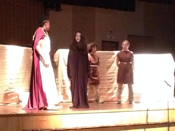 Happy 450th birthday, William Shakespeare! My daughter's middle school performed Julius Caesar to celebrate. http://t.co/xWrNvwLmQ1