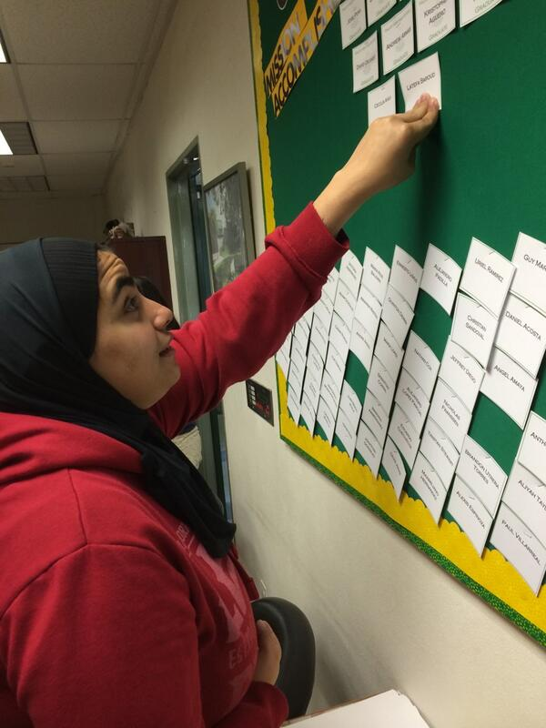 Congratulations to Latefa, Valley Views most recent graduate http://t.co/arwzCGA9aN