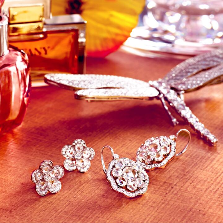 For brilliant brides and bridesmaids. #TiffanyWeddings: http://t.co/nWLcuqC1YL http://t.co/aR94M4wyRx
