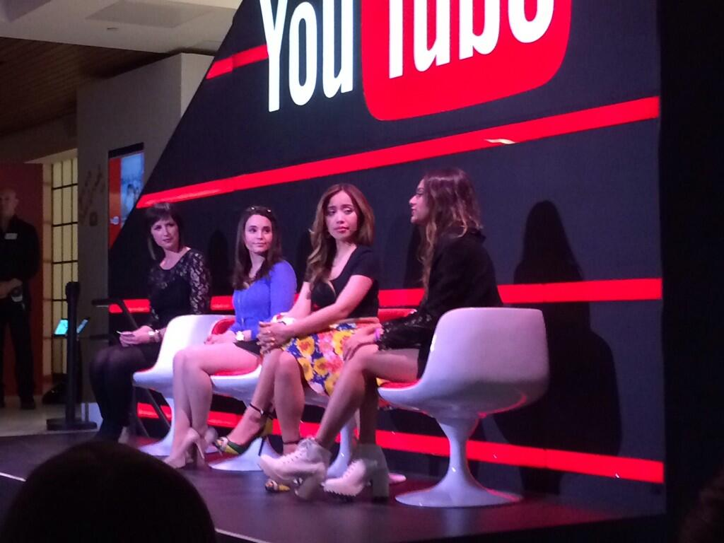 Hanging out with the queens of @YouTube! 👑 @RosannaPansino @MichellePhan @BethanyMota http://t.co/vyA6s2ON02