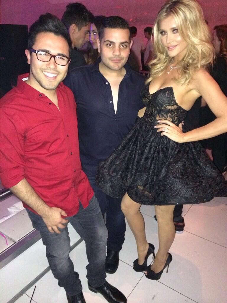 Love my boyyyz!!! @waltercollection dress by michaelcostello31 hair by @josecan2 makeup @Patrickta http://t.co/EUZvHYpucH