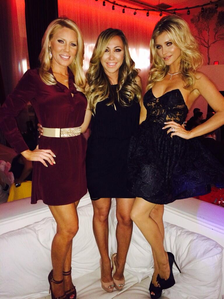 W the angels @Gretchenrossi @dianamadison http://t.co/rjZYDLVQlj
