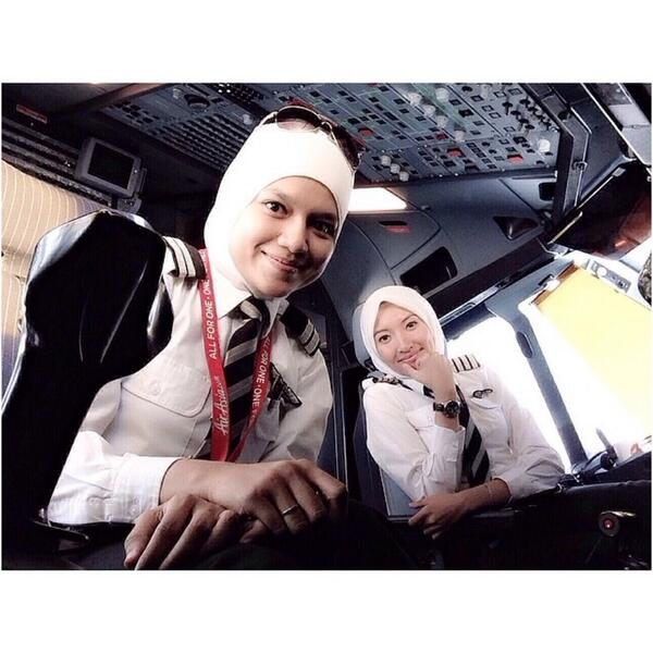 "All fem crew wldv bn more universally inspiring ""@tiniz @wanariefimran inspire u. @AirAsia's all-tudung cockpit crew! http://t.co/gEe52NjLhE"