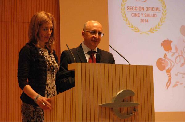 @pilarmuna y @gallegodieguez condujeron a lo #Hollywood una magnífica y compartida entrega de premios #cineysalud2014 http://t.co/DAts2lJatF