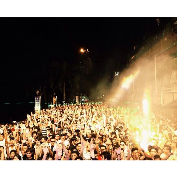 EDM ROCKSTAR 2014! THANK YOU <3 #GBTagTeam #Kismet http://t.co/RbJcVvQcAD