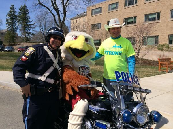 #BostonStrong RT @ToryLeeman @BCAlumni great service day. #eaglesforothers http://t.co/hWIfV1fhpw @BCPoliceDept @CArredondoGSDad