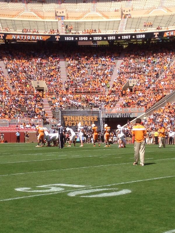 #Vols getting after it today!! #OrangeandWhiteGame #Team118 #BrickByBrick http://t.co/bzPXTuLH1W