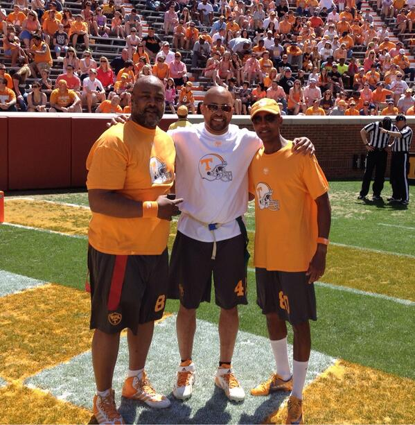 Great time at the VFL flag football game today! @Vol_Football @UTCoachJones @Antone_Davis @SaraUTK http://t.co/s3AlCHFHEO