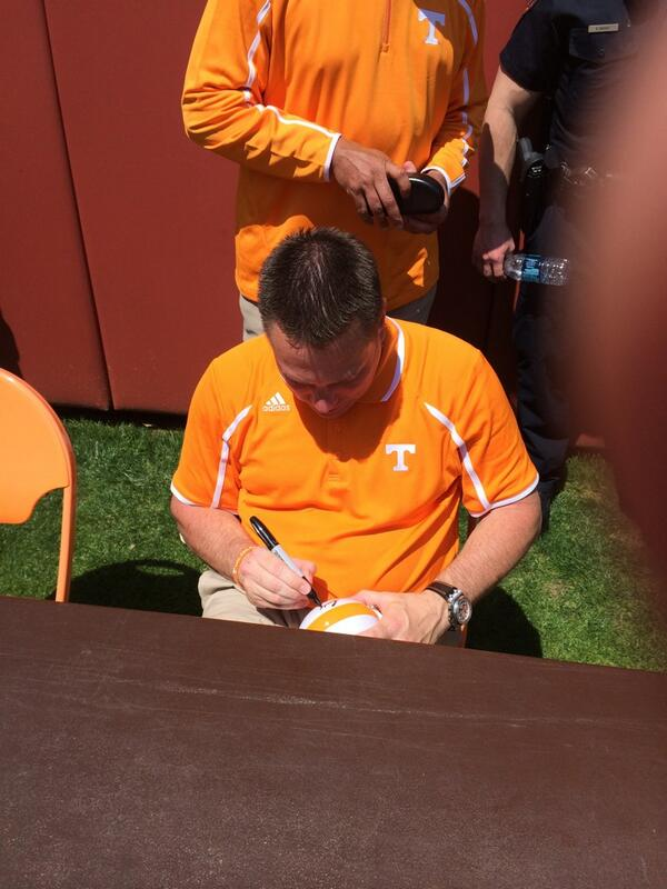 Waited 4 hrs to meet @UTCoachJones  came from FL to tell him I appreciate everything he does for @Vol_Football http://t.co/9Uq4UxJHGs