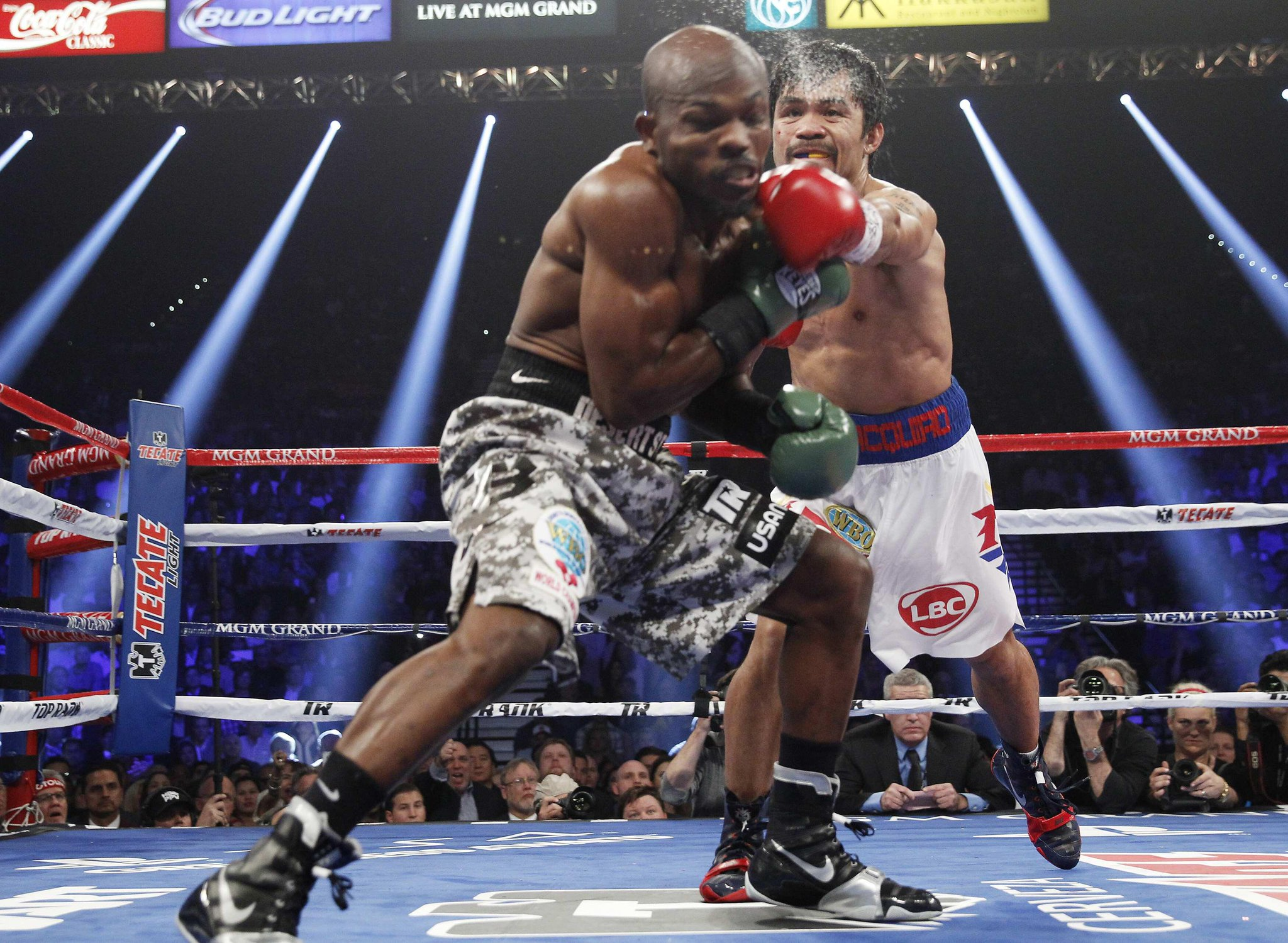 RT @ANCALERTS: BREAKING NEWS: Manny Pacquiao wins vs Bradley, unanimous decision #PacquiaoBradley2 (Photo via Reuters) http://t.co/zaVkkV2K?