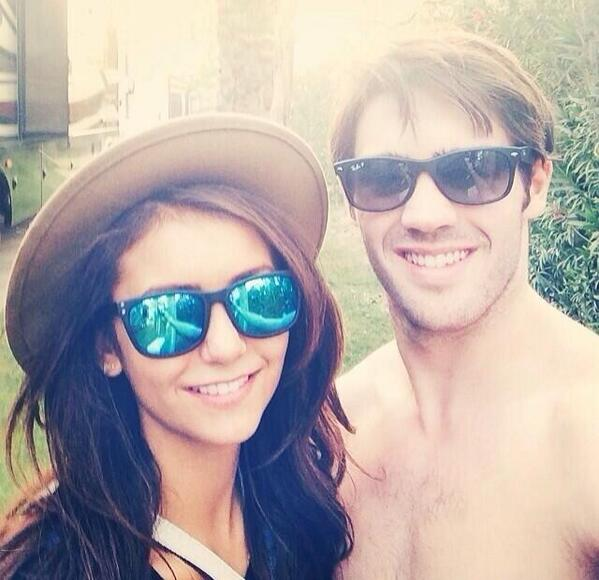 Nina and Steven #coachella SO CUTEEEEE http://t.co/yb8bNX6TGE