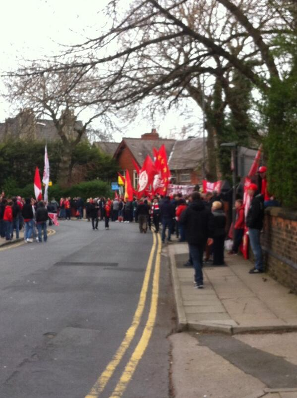 Getting ready for the team coach! #lfc http://t.co/USCiXrnDFV