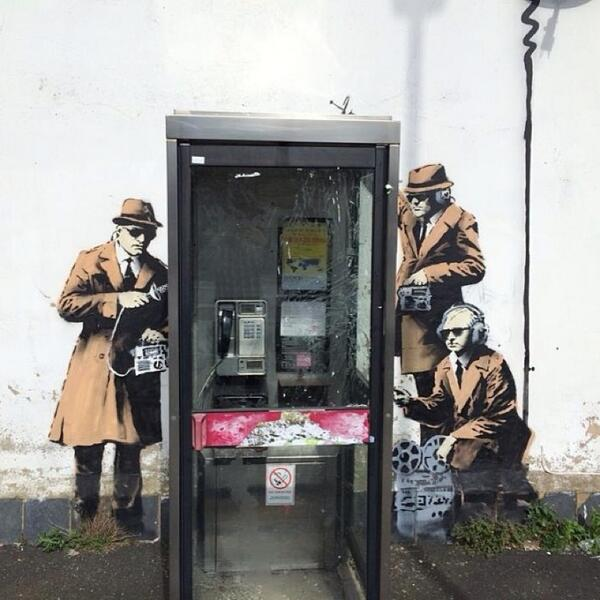 Banksy New Mural - Cheltenham, UK #streetart http://t.co/kATFFCHn3s http://t.co/N7es82sjvJ