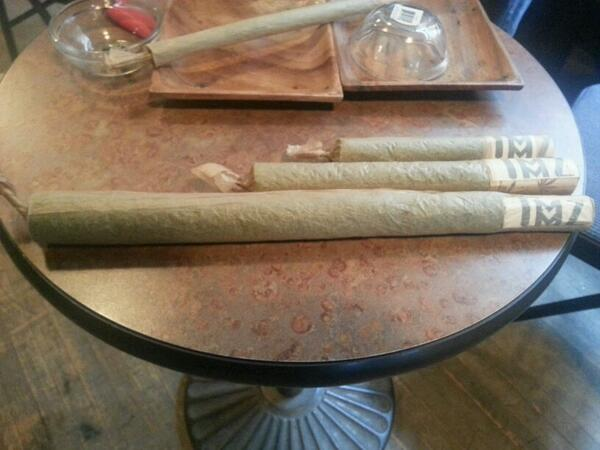 We been rolling joints since noon. #420TO http://t.co/PzzPXTWgZt