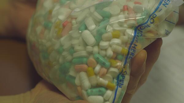 Sehen klein u. harmlos aus, können aber direkte Rampe in die Heroin-Sucht sein. Wie das? #Weltspiegel heute,19:20,ARD http://t.co/bvECM77mfI