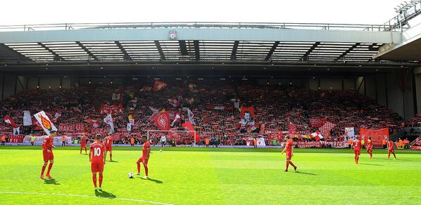 Liverpool fans rendition of Youll Never Walk Alone before Man City ft. Brendan Rodgers joining in [Video]