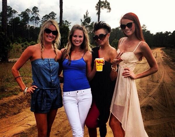Danni Baird On Twitter Tune In Mon10pm Off To Camden Yall Southerncharm Bravotv