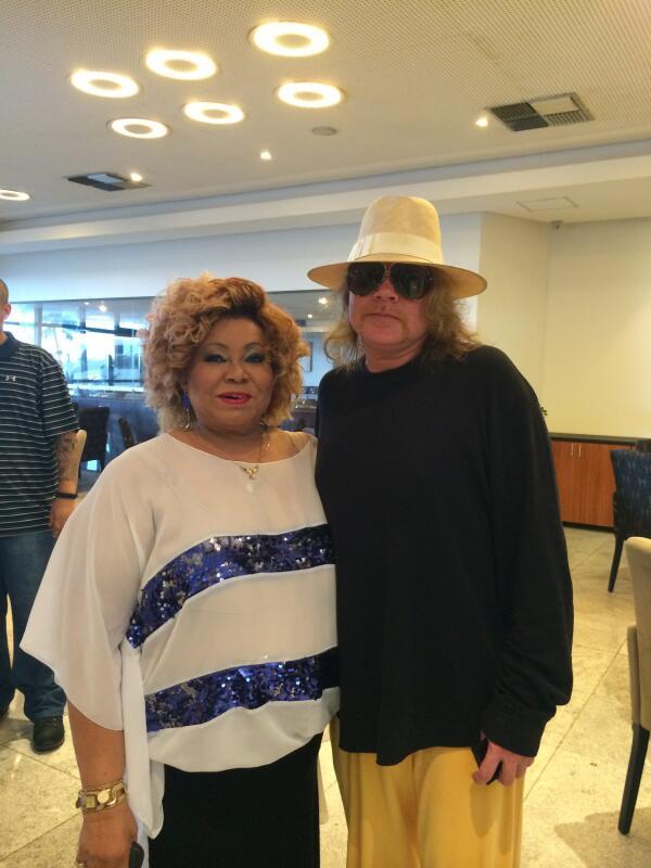 With the amazin' Alcione Nazareth! http://t.co/8vSmoLUXXf