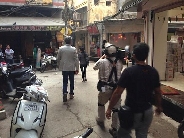 Behind the scenes #PartsUnknown @Bourdain walks through the streets of #Amritsar http://t.co/ByyJFhZLOq