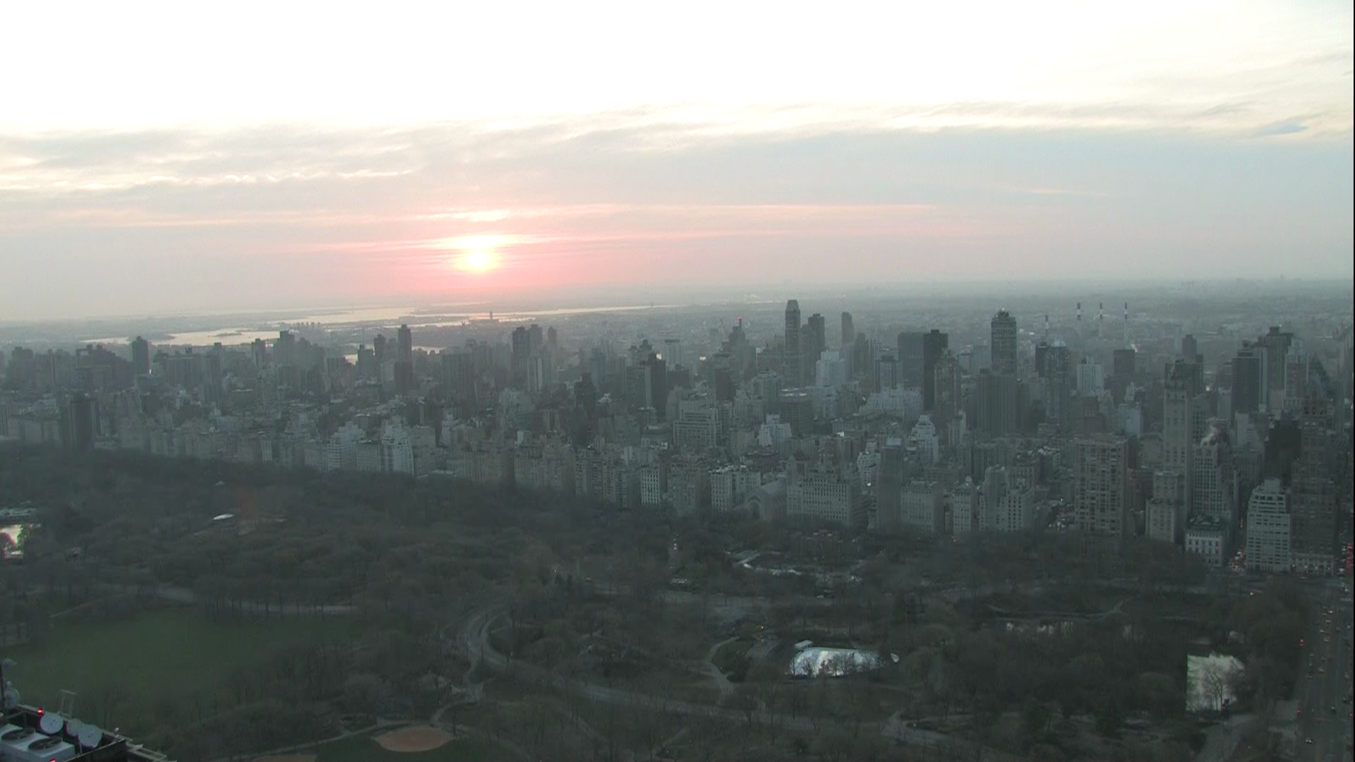 Twitter / ChrisCuomo: The sun rises on a hazy #NewDay. ...