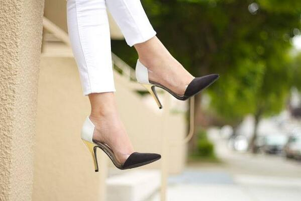 Gotta love a classic - b&w heels. RT @ChineseLaundry: Shoe crush of the day: http://t.co/uhY8xJYkG4  #shoeaddict #shoelover #shoes #heels