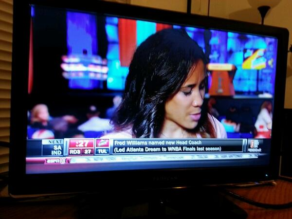 Meighan Simmons handles interview on ESPNU after being drafted by @nyliberty. http://t.co/I5P8CfuFLE